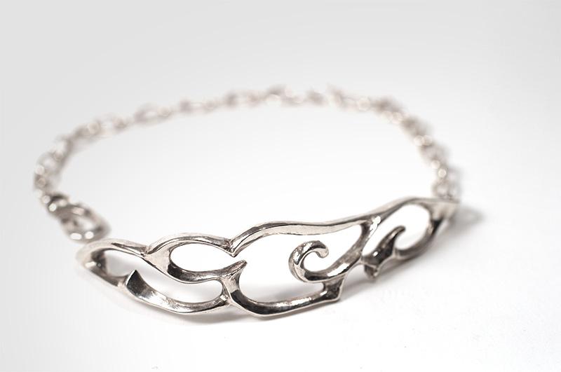 Airy Arabesque Cuff Bracelet (S)