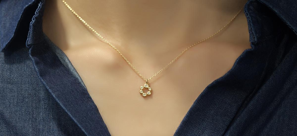 18k 6粒のダイヤのネックレス