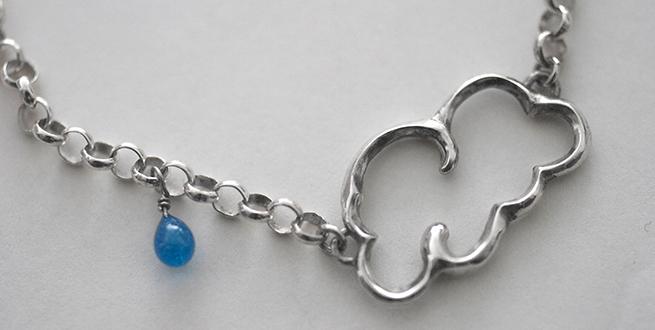 Cloud bracelet with a raindrop