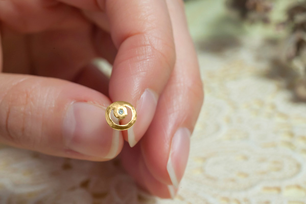 Crescent Moon & Star 18K Stud (Single)