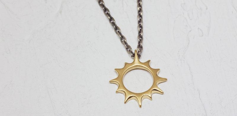 少し大きい太陽のネックレス K18
