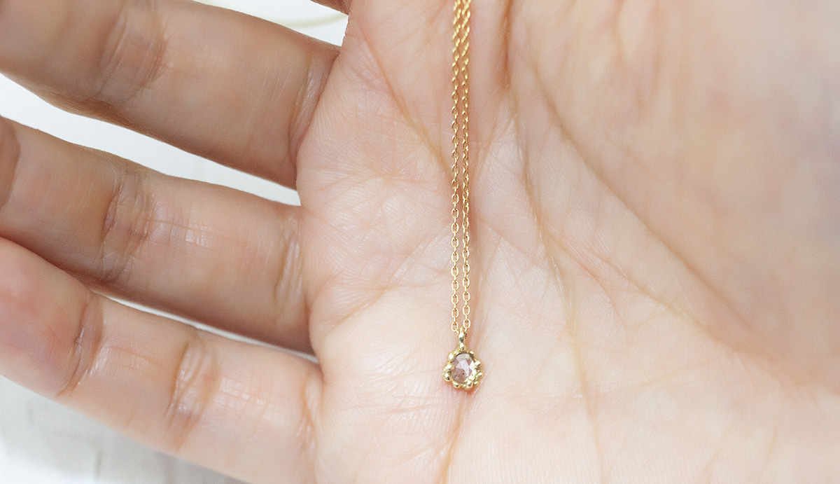 ナチュラルダイヤのネックレス 18K