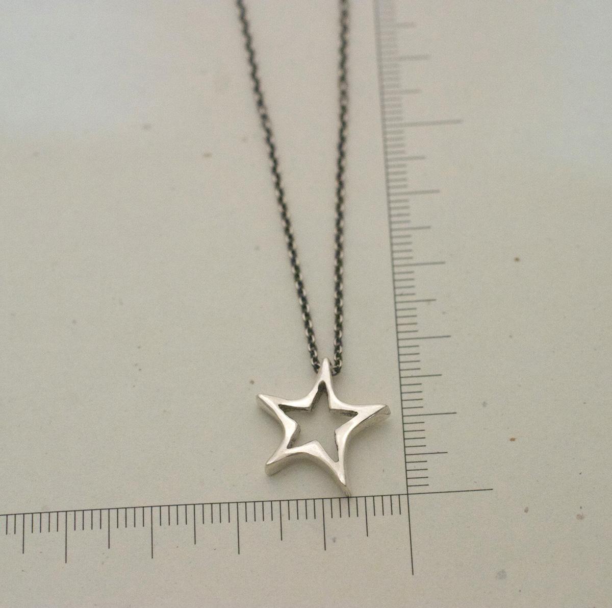 星のシルバーネックレス