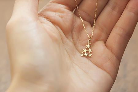 K18ゴールド星のツリーネックレス